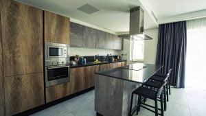 Cozinha dos Claret Apartments
